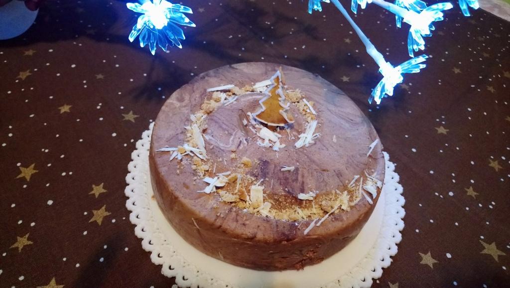 Mézeskalácsos csokimousse torta